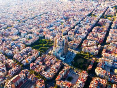 Barcelona tips cityscape sagrada familia eixample